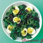მწვანე სალათა კვერცხით